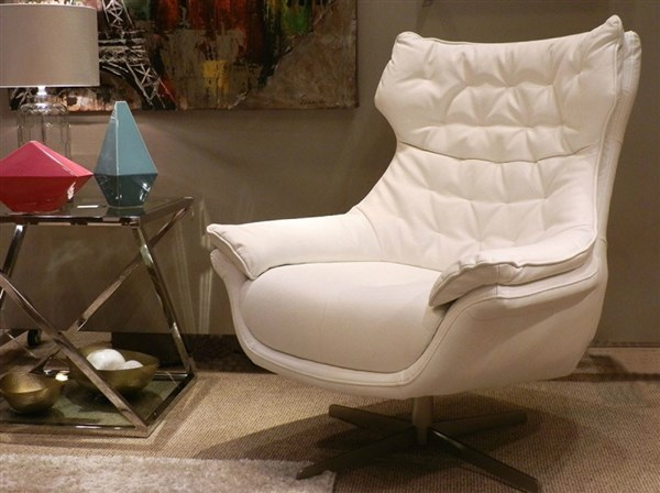 Butaca giratoria calma tapizada en color blanco - Butaca giratoria ...