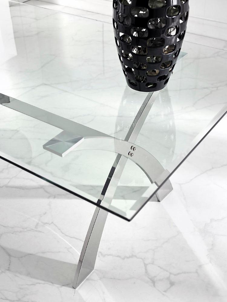 Mesa de comedor con sobre en cristal templado