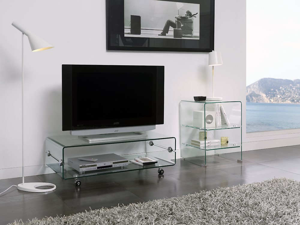 mesa de tv en cristal templado con ruedas. Black Bedroom Furniture Sets. Home Design Ideas
